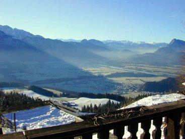 SUPER Aussicht (hier: im Winter; anklicken zum Vergössern) - Tirol: Wohnung in den Bergen zu vermieten